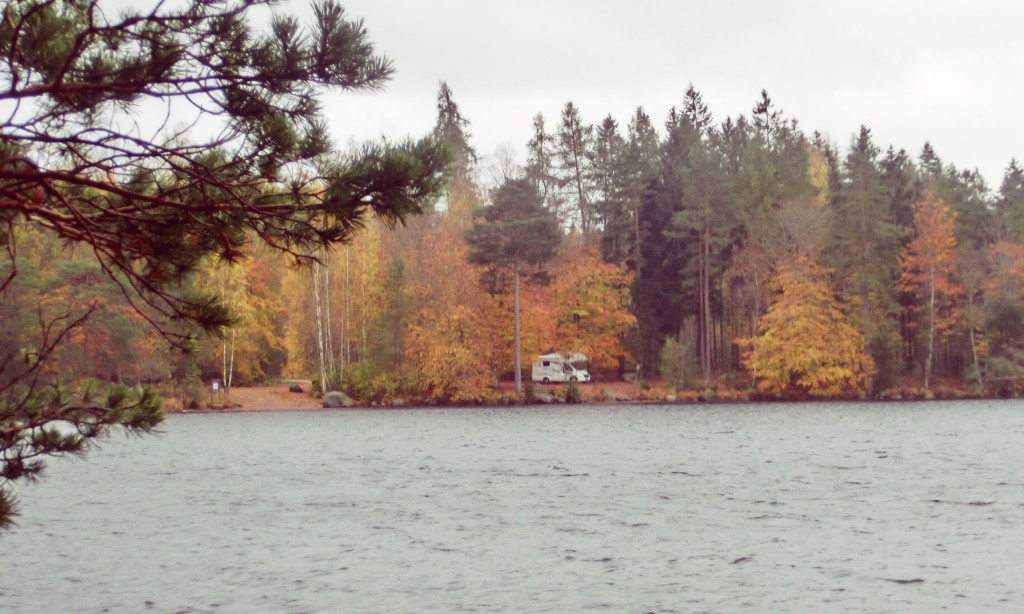 Stellplatz am See in Schweden