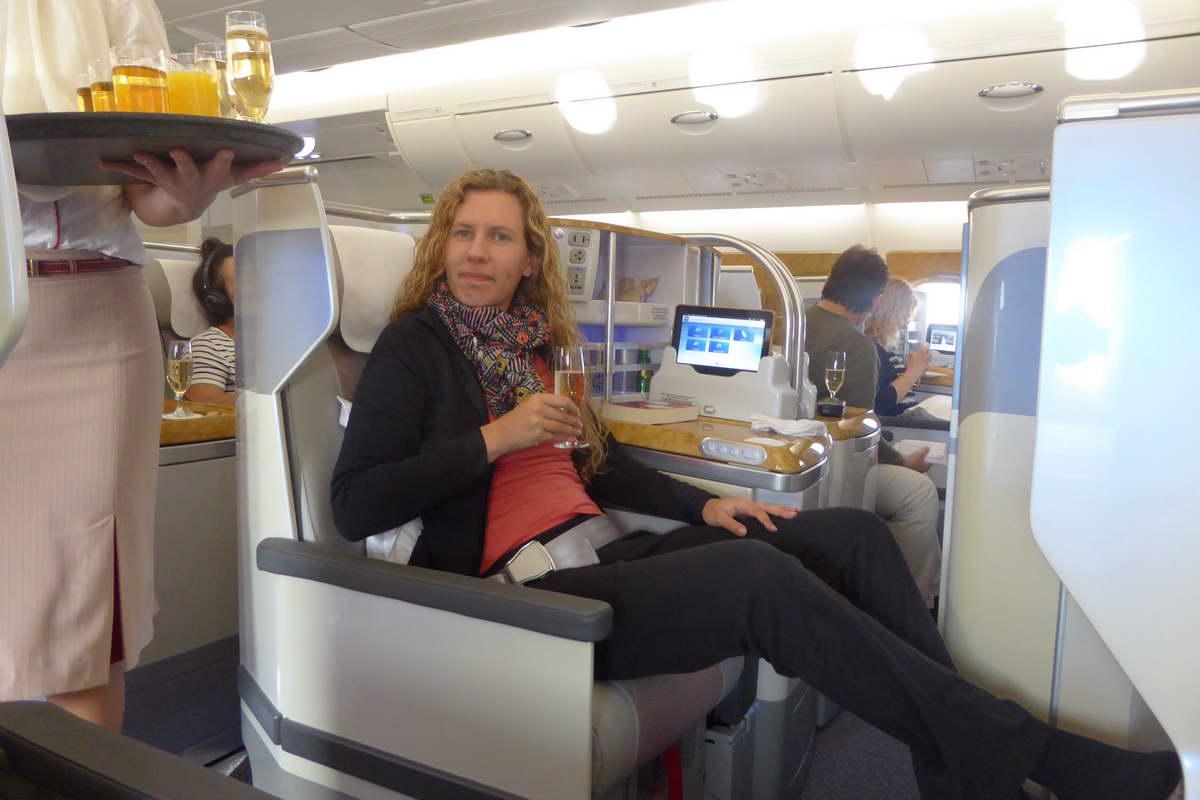 Flugbegleiterin bei Emirates - ich sitze in der Business Class