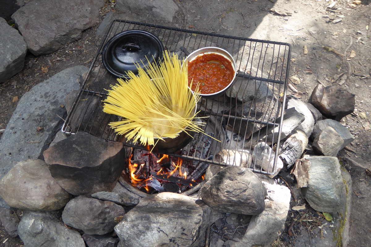 Kanutour durch Schweden - Essen auf dem Feuer
