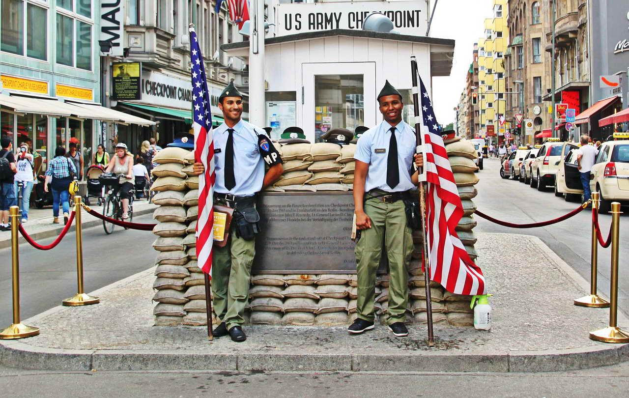 Städtetrip nach Berlin Checkpoint Charlie
